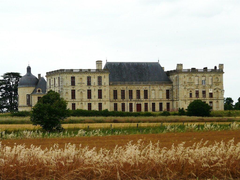 Oiron_château_(1).JPG