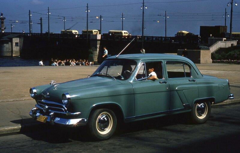 1957 На Адмиралтейской набережной.jpg