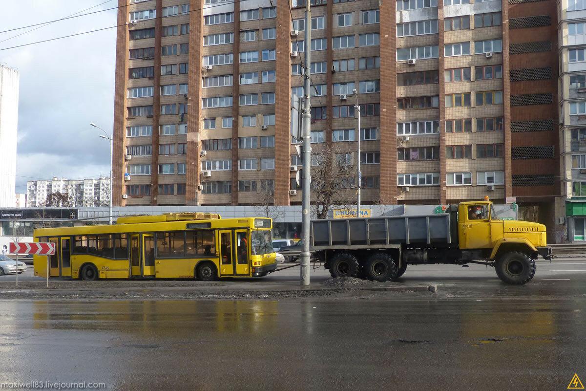 КрАЗ-6322 (6х6) тягач троллейбусного депо