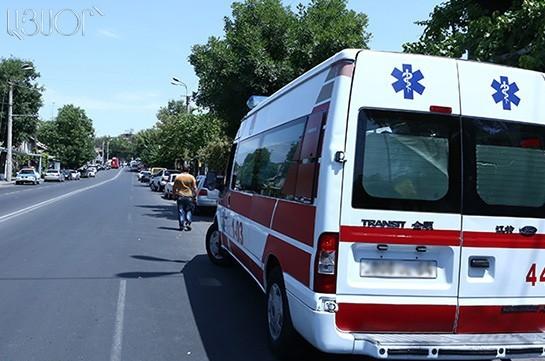 События вЕреване: повстанцы продолжают удерживать отделение милиции
