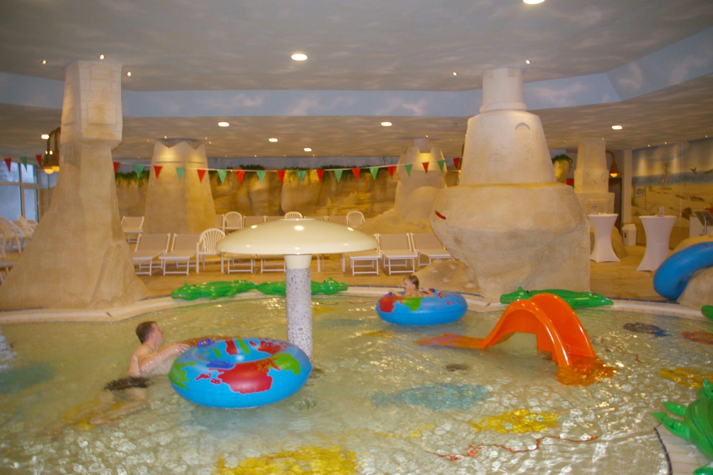 Детская площадка для аквапарка