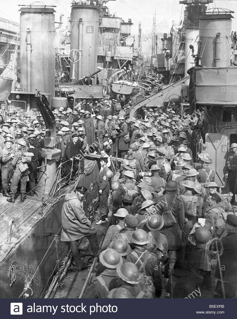 bef-return-from-dunkirk-on-the-skylark-transport-ship-3rd-june-1940-B5EXRB.jpg