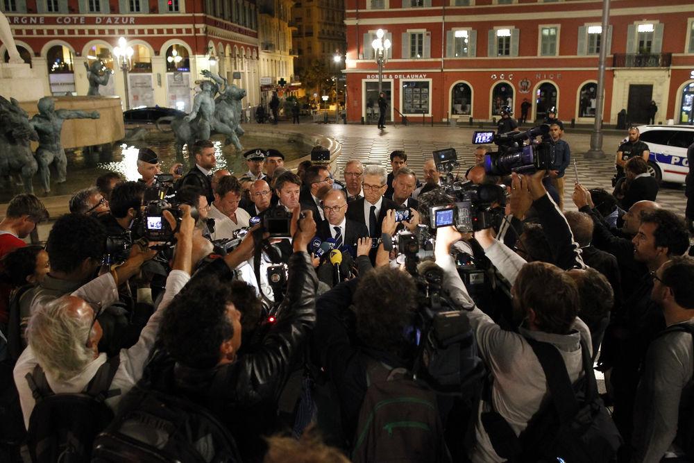 Представители МВД Франции дают комментарий прессе по поводу теракта в Ницце