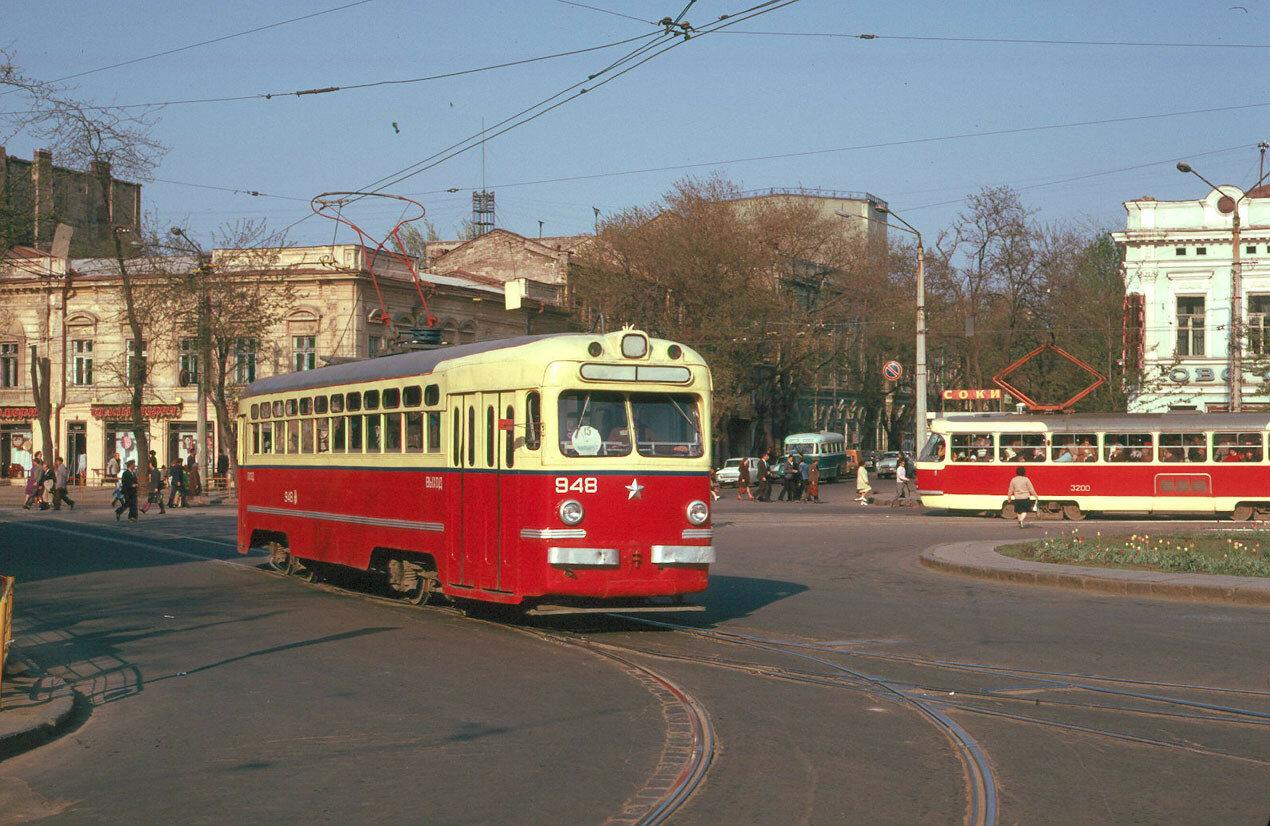 Конечная станция «Площадь 1905 года»