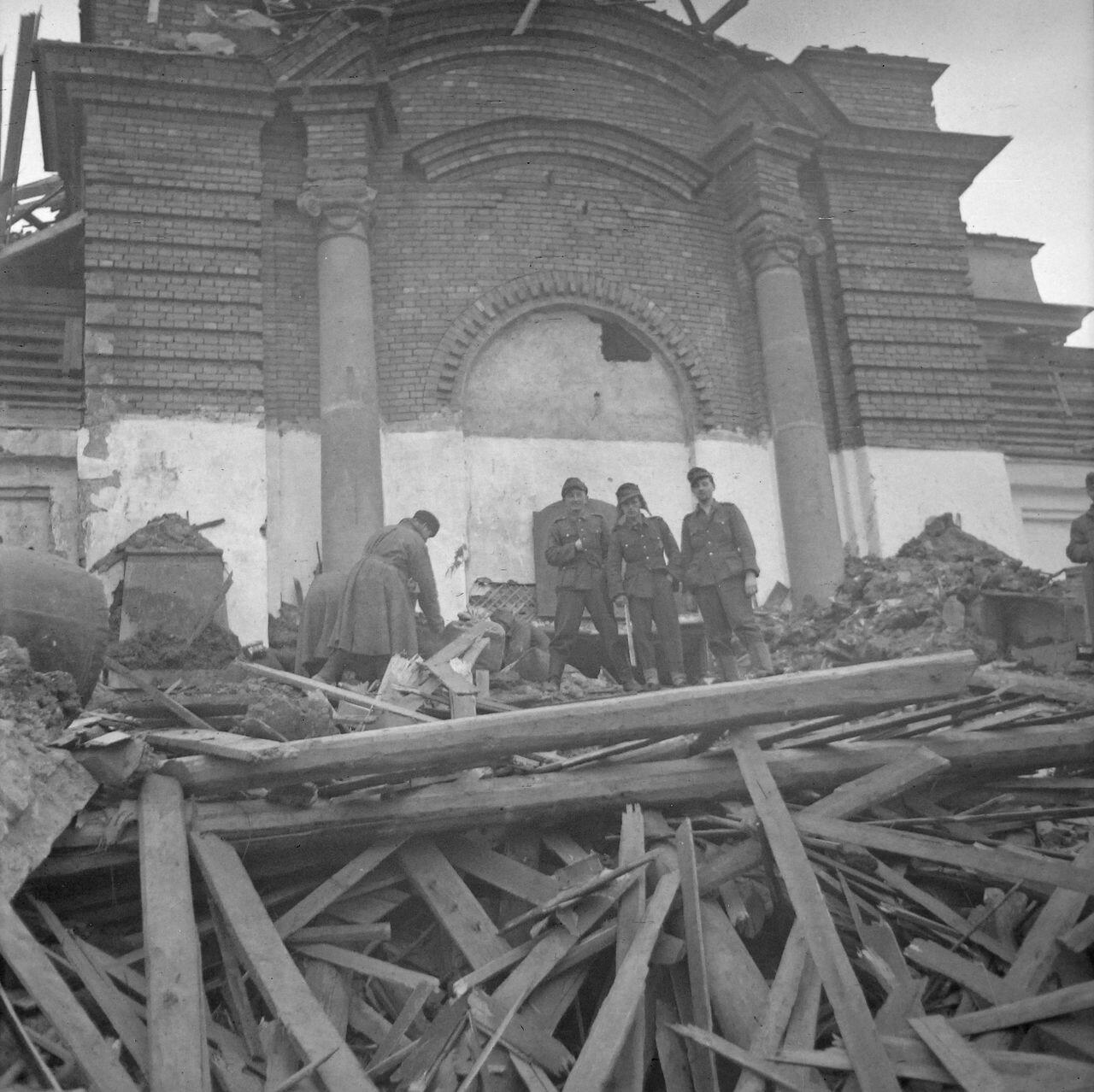 Разрушенный город в России