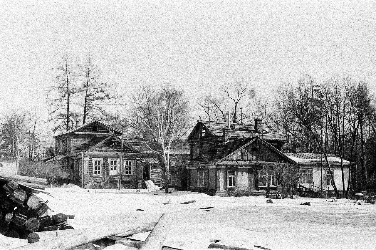 1973. Дома №1 по 6-му Лучевому. Вид от леса в сторону 6-го Лучевого