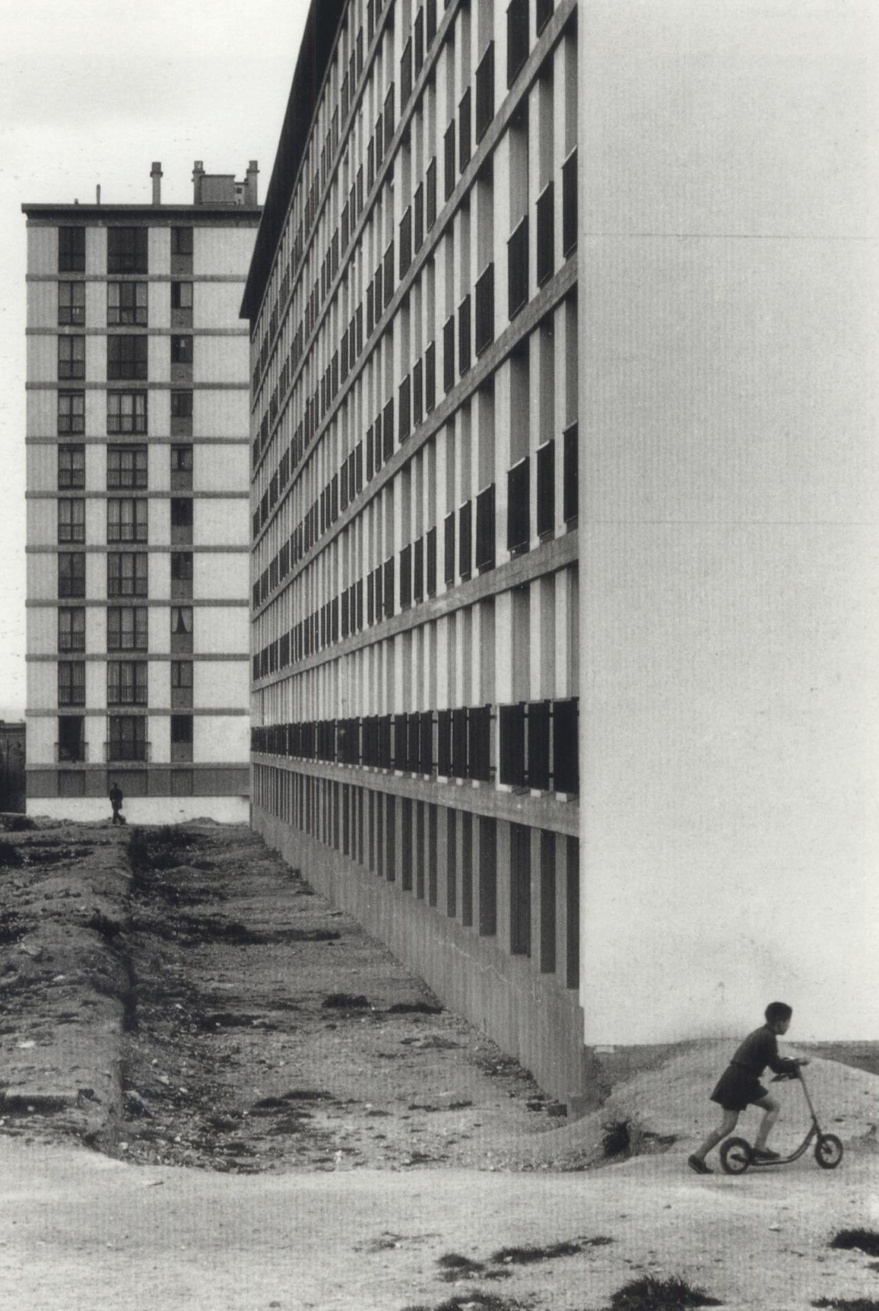 1957. Трущобы района Порт-де-Ванв. Париж