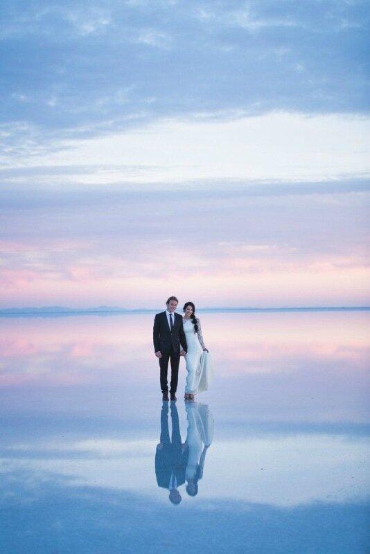 Молодожёны, гуляющие по воде. Красивая свадебная фотосессия 0 1cd5d0 530430c2 XL