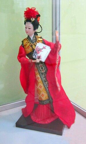 Четыре самых красивых и знаменитых женщин Китая. Ян Юйхуань (затмевающая цветы).
