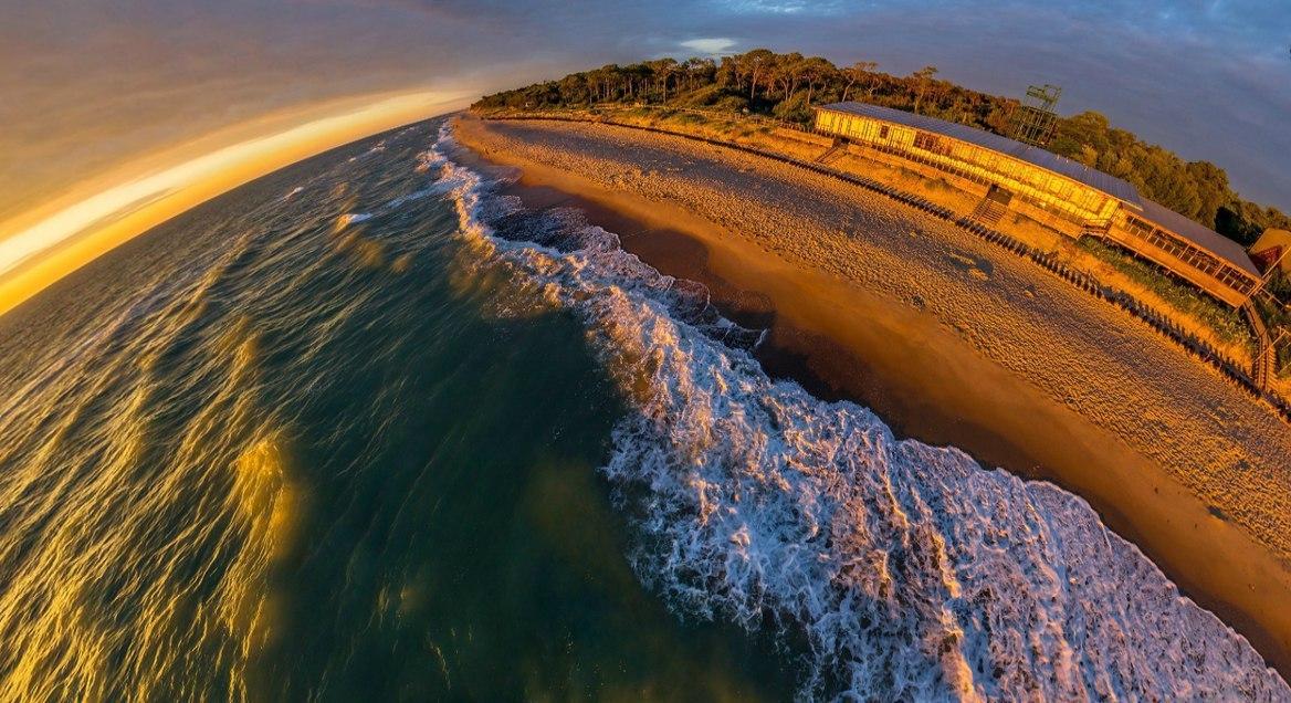 Побережье Балтийского моря. Авандюна. Куршскую косу называют птичий мост. По нему проходит древний м