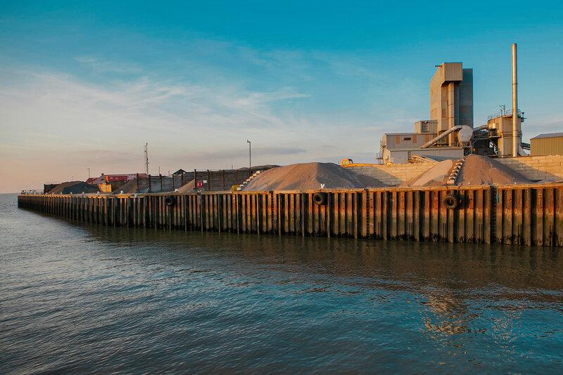 Brett Aggregates is an asphalt plant in the harbour.