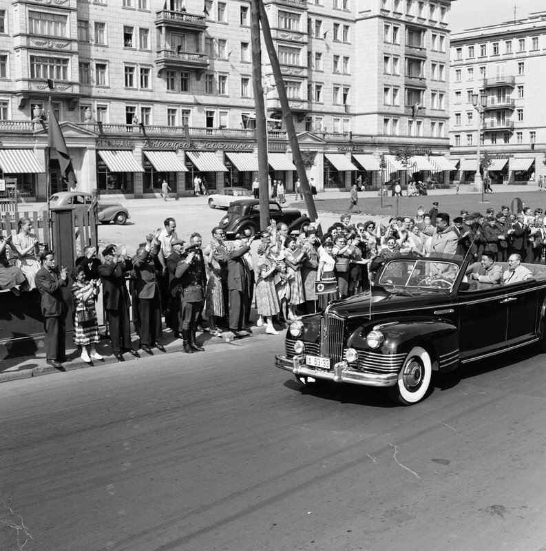 Kim Il Sung (waving from the car) drives down the Stalin Allee in East Berlin.jpg
