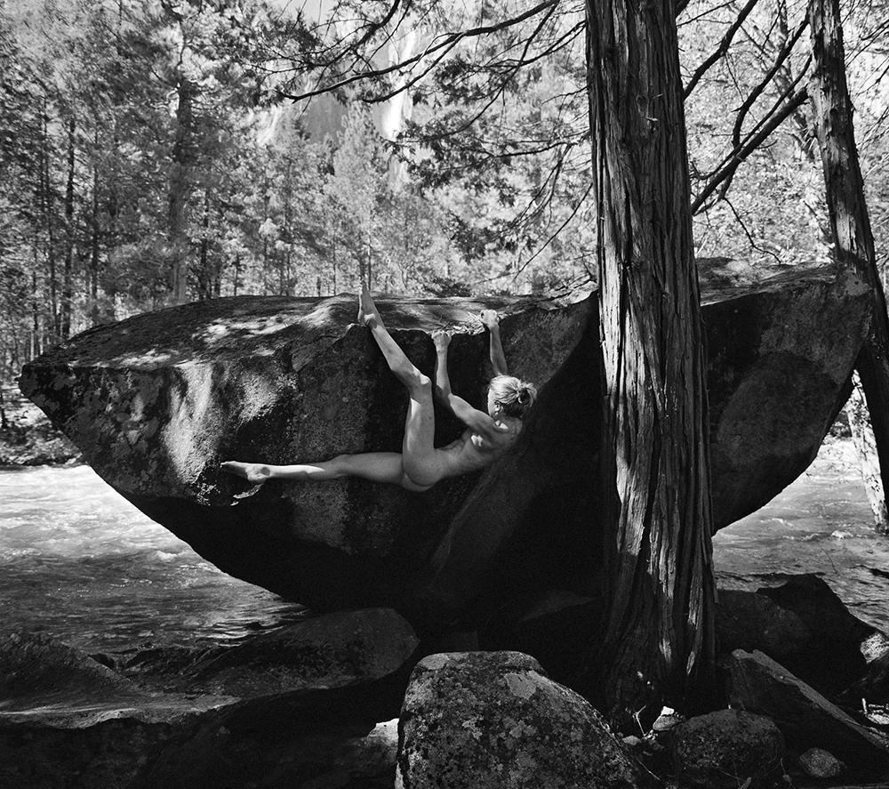 Эротический календарь «Stone Nudes 2017»