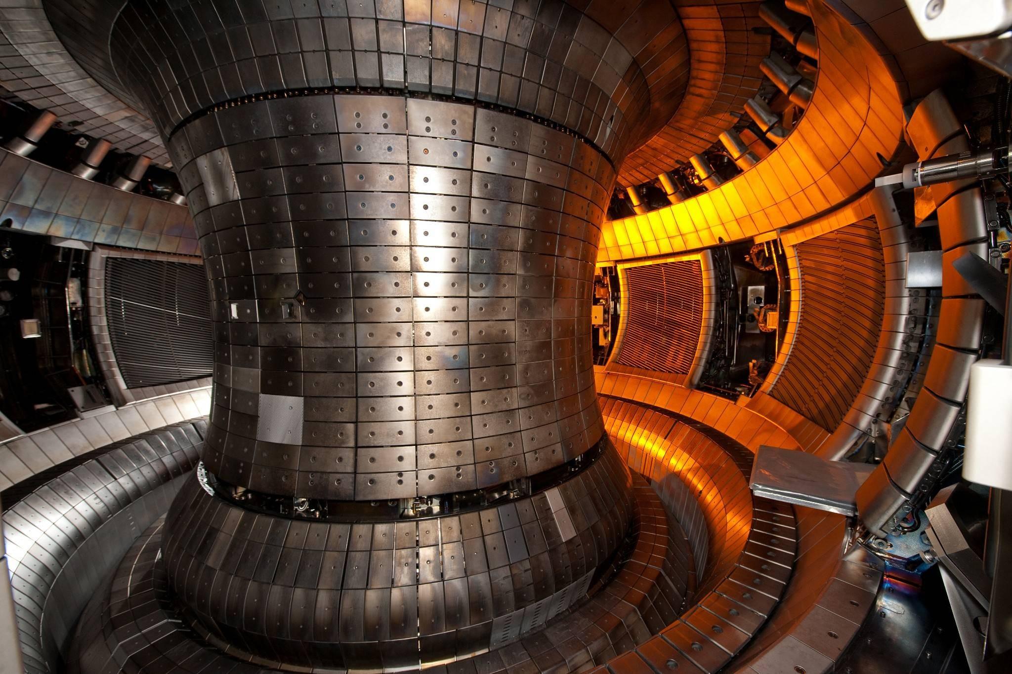 Что происходит внутри реактора термоядерного синтеза