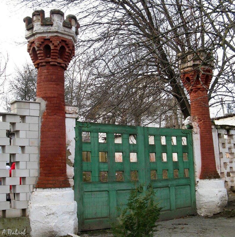 Охотничий замок - ворота (1).jpg
