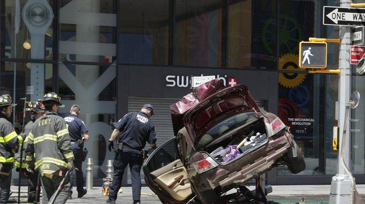 Въехавший втолпу наТаймс-сквер водитель «слышал голоса»
