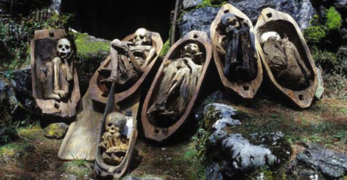 В наши дни мумии стали своеобразной туристической фишкой. Местные жители охотно зарабатывают на моща