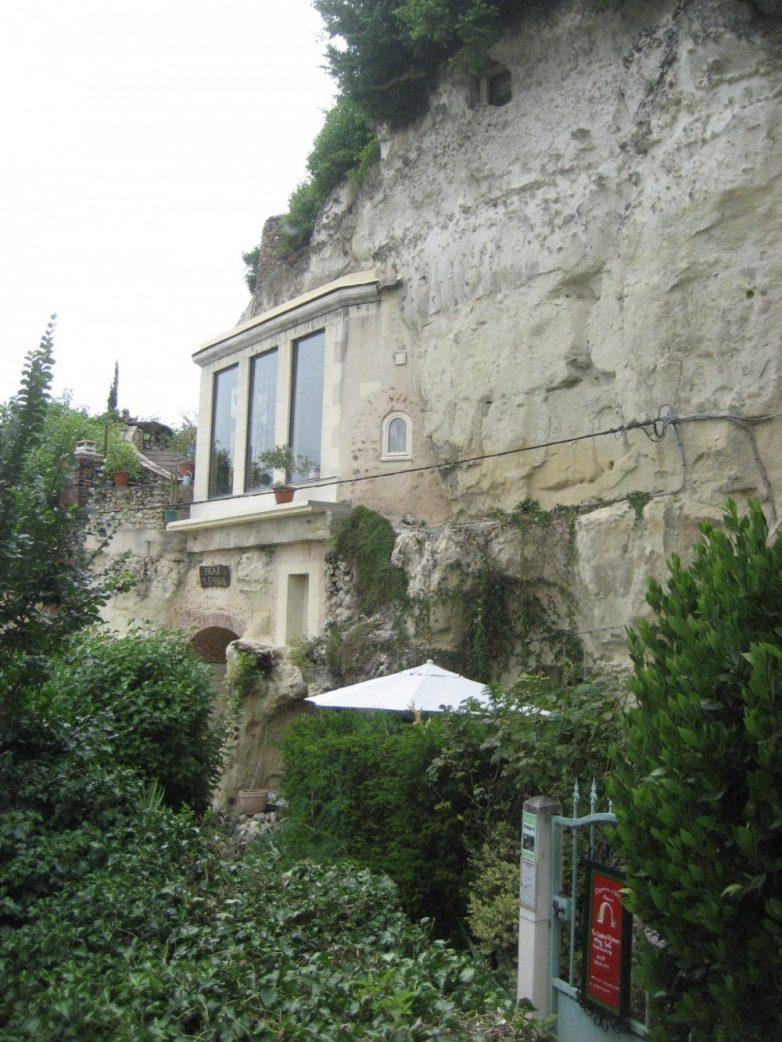 10. Дом в пещере, Троо, Франция