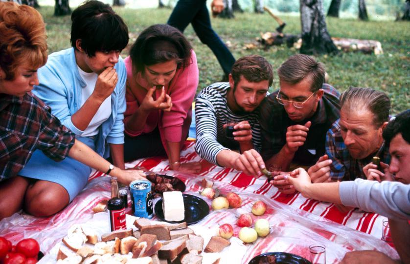 Друзья на пикнике. Фото: Билл Эппридж.