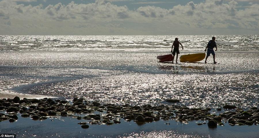 7. В Сайлкрофте поражает обширный пляж и искрящаяся вода.