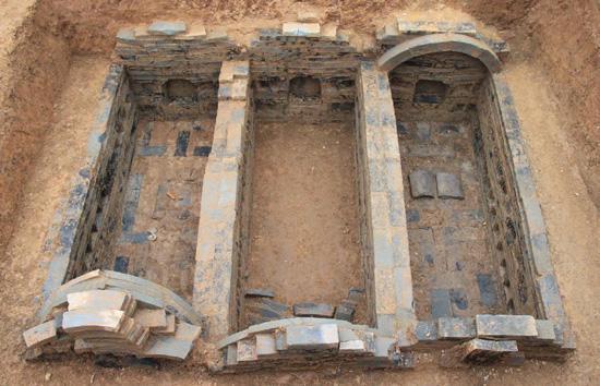 В КНР обнаружили 2-тысячелетнюю гробницу