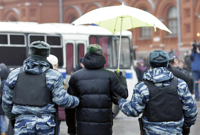 Конституционный суд обязал пересмотреть дело Дадина