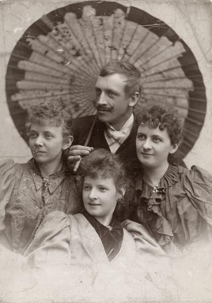 Harald Sohlberg med tre søstre