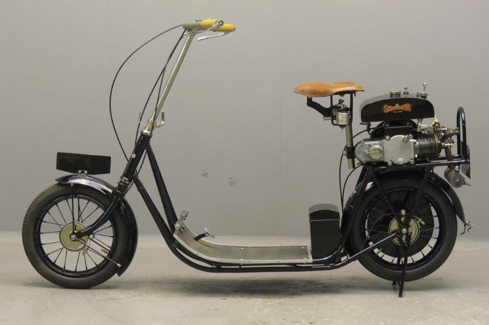 Старинный скутер ABC Scootamota Model B