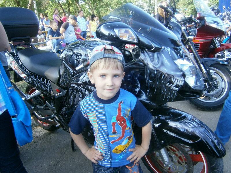 Андрюша и мотоциклы