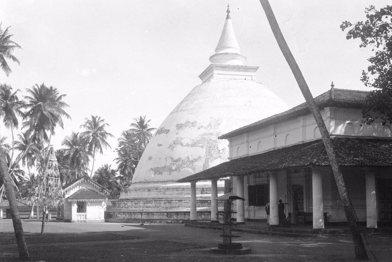 26. Окрестности Коломбо. Храм Келания Раджа Маха Вихара в деревне Келани