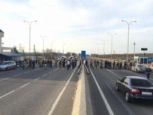 ПС перекрыл дорогу в знак протеста