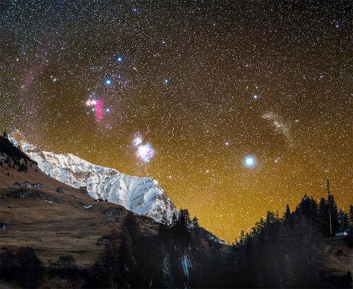 Красивое ночное небо в долине Вальс в Швейцарии