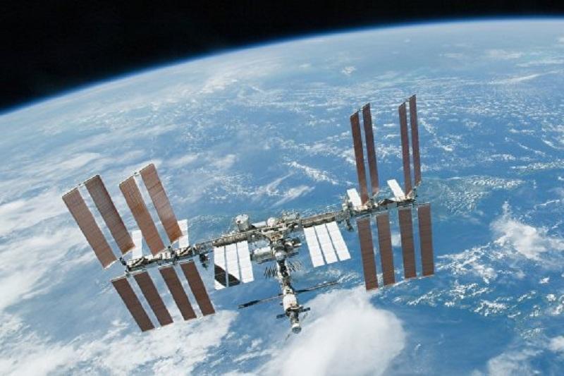 Высоту орбиты полета МКС скорректируют на2,2км