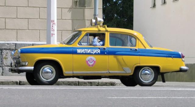 В это время основным четырехколесным транспортом советских милиционеров стали Волги.