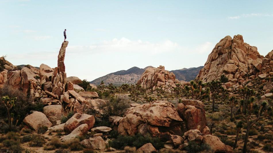 8. На эту торчащую скалу в парке Джошуа Три Вудворд с приятелем наткнулись по ходу короткой прогулки