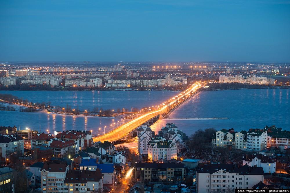 Чернавский мост. Построен в 1909 году, стал одним из символов города. Во время войны мост был разруш