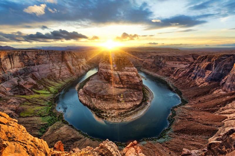 Фотограф потратил 3 года, путешествуя по миру, чтобы поймать солнце (17 фото)