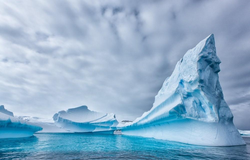 Ледники Антарктиды Проанализировав снимки со спутников NASA, ученые пришли к выводу, что скорость та