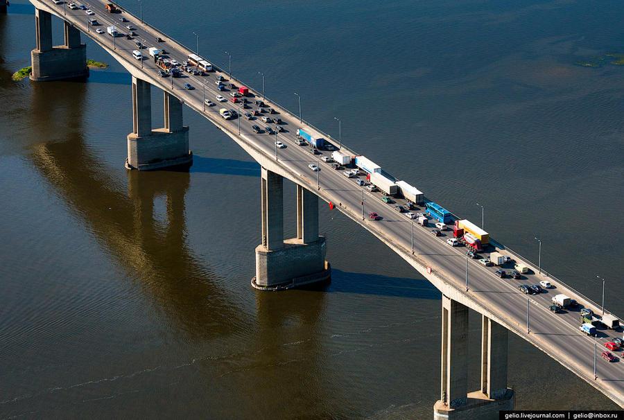 39. Уникальность конструкции моста — в способе соединения бетонных блоков. В отличие от обычного, св