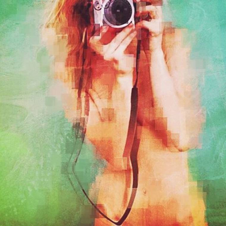 Pixelated Girls - The sensual creations of Richard Bachellier