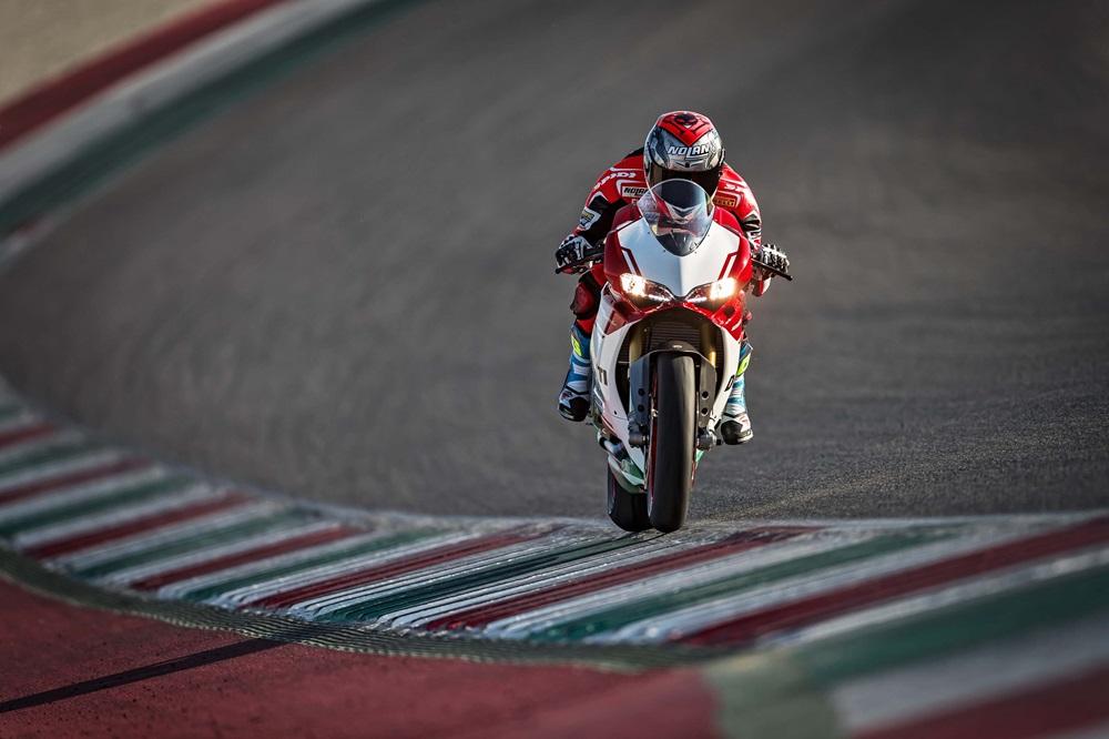 Новый мотоцикл Ducati 1299 Panigale R Final Edition 2017