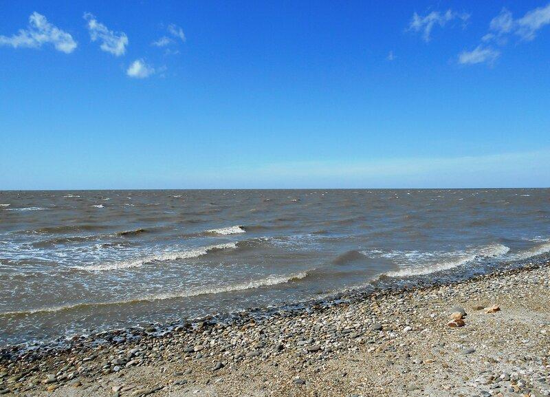 А море катит волны, и ветер свеж ... DSCN5310.JPG