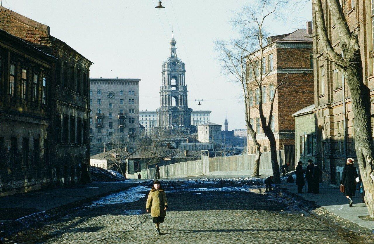 553414 Колокольня Новоспасского монастыря нач. 50-х Martin Manhoff.jpg