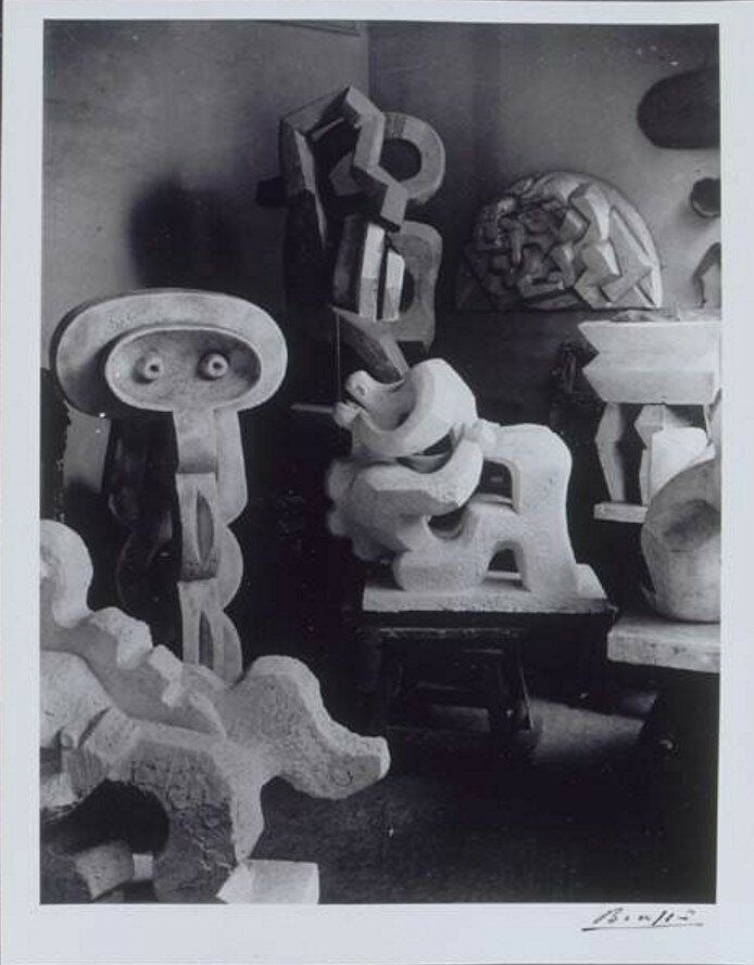 1933. Мастерская Жака Липшица со скульптурами кубистического периода