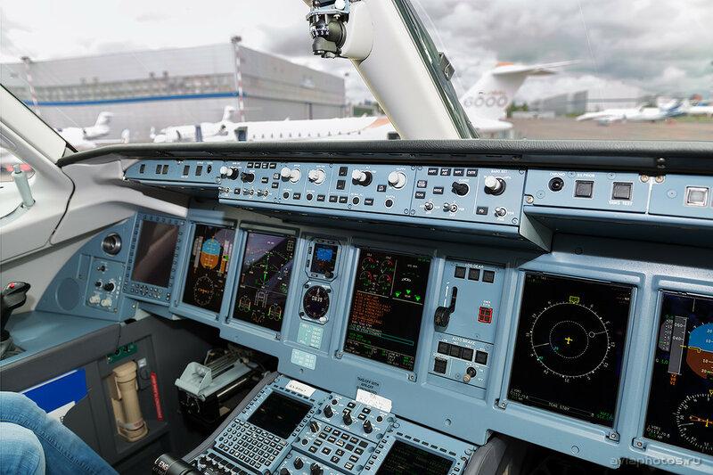 Сухой Superjet 100-95LR (RA-89067) МЧС D807536