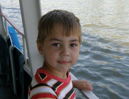 Башкирский школьник сам отвез больного отца на машине