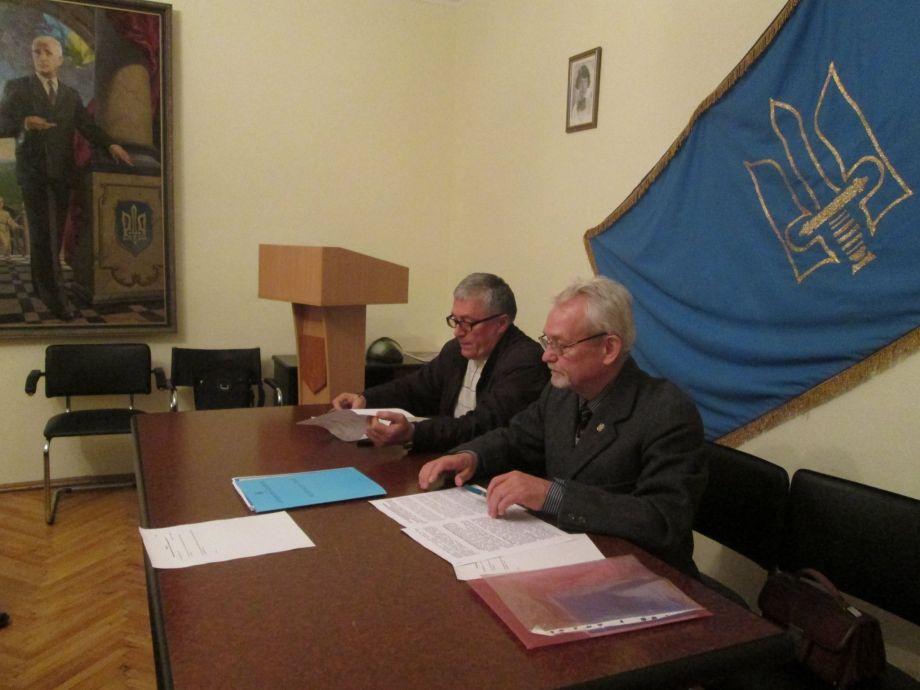 Националисты Киева не будут поддерживать ни В.Кличко, ни Бы.Березу