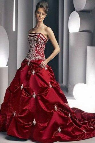 Женский карнавальный костюм Платье с вышивкой