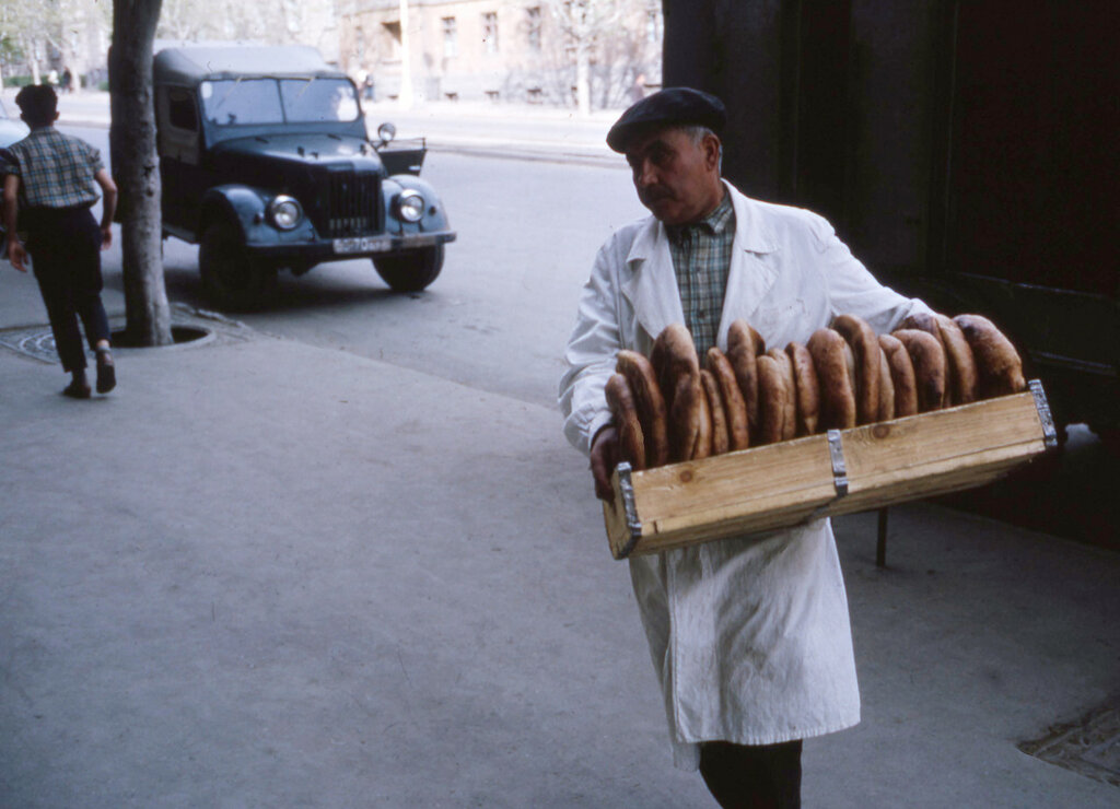 MA25 Samarkand Erevan Kiev Dushanbe Tashkent etc img748 Erevan.jpg