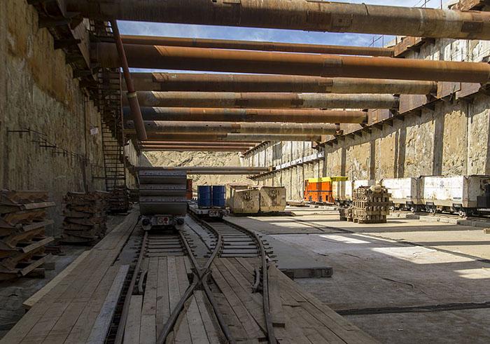 Строительство котлована метро